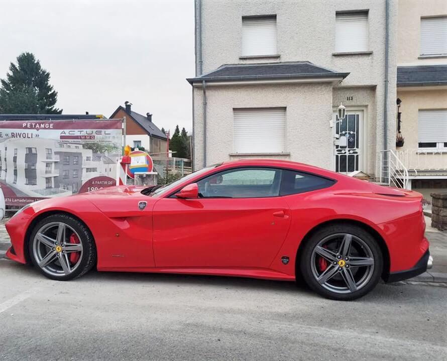 Luxemburg Petange Ferrari Casa Borita