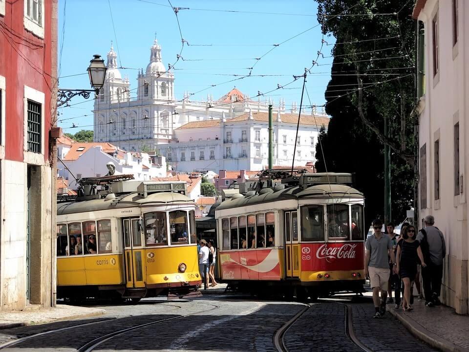 lisbon-1395929_960_720