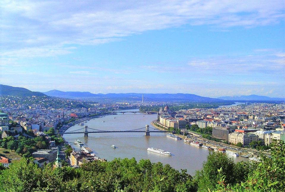 budapest-79247_960_720
